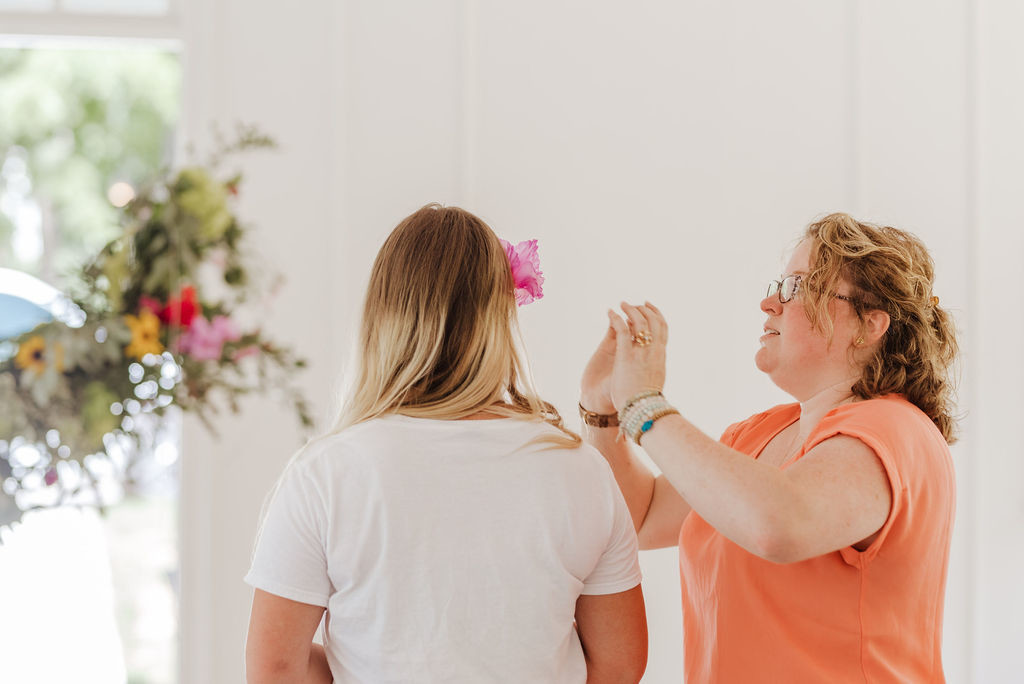 Wedding, Florist, Hanging florals, hanging arrangement, wedding flowers, wedding venue